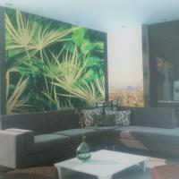 施工例壁面に施工可能なグラフィックフィルム既成のデザインバリエーションも豊富でオリジナルデザインも可能です。高級感も演出できます。